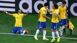Neymar comemora gol   Getty
