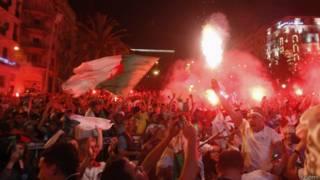 Алжир празднует победу
