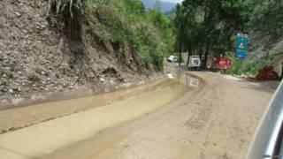 उत्तराखंड में बारिश में बदहाल सड़क