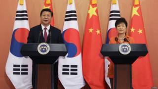 """中韩两国领导人首尔时间3日晚间发表联合声明,称两国""""坚决反对""""(firm opposition)朝鲜半岛发展核武器"""