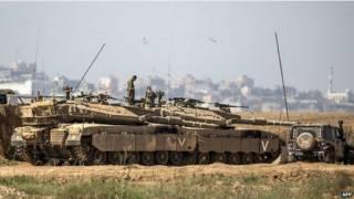 Израиль в ответ на обстрелы стянул войска к границе сектора Газа