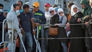 Refugiados libios llegan a Italia