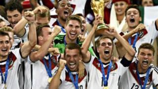 世界杯:德國隊勝阿根廷 捧走冠軍杯