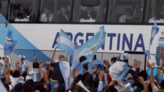 Chegada da seleção argentina (Reuters)