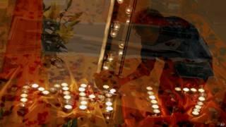 Homenagem as vítimas (AP)