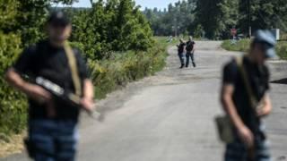 Rebeldes prorrusos en a 80 kilómetros al este de Donetsk.