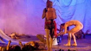 冉而山剧团的《弥莎‧礼信》受到英国戏剧届人士的好评(图片提供:冉而山剧团)