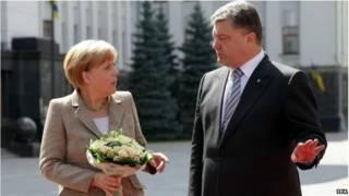 Angela Merkel e Petro Poroshenko