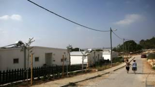 اسرائيل تصادر اراض فلسطينية