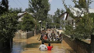 बाढ़ बचाव अभियान में सेना