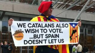 Catalães aproveitam para fazer protesto em Edimburgo / Crédito: BBC Brasil