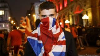 Участник протестов в Глазго после проведения референдума