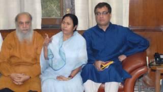 पश्चिम बंगाल की मुख्यमंत्री ममता बनर्जी के साथ डेरेक ओ ब्रायन