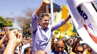 Aécio Neves em campanha / Crédito: Igo Estrela