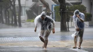 Тайфун на Окинаве