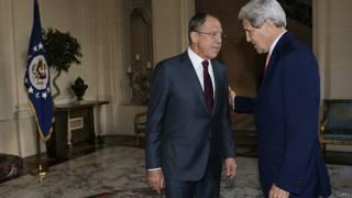 Лавров и Керри перед переговорами в Париже
