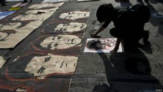 рисунки студентов на асфальте