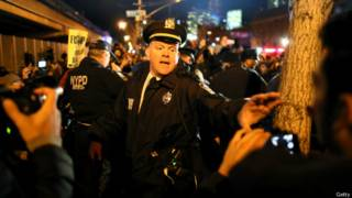 Стычки демонстрантов с полицией в Нью-Йорке