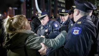 Арест демонстранта