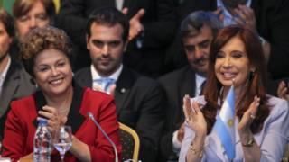 Dilma Rousseff e Cristina Kirchner na reunião do Mercosul   Foto: EPA