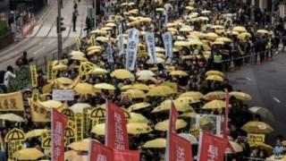 लोकतत्र के पक्ष में फीका प्रदर्शन हांगकांग में