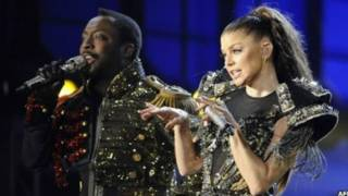 Fergie(右)與Black Eyed Peas的will.i.am