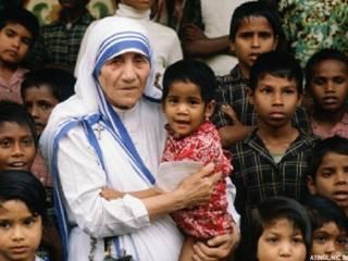 आरएसएस प्रमुख के निशाने पर मदर टेरेसा