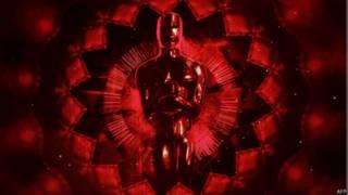 """Статуэтка """"Оскара"""" на экране церемонии 2015"""