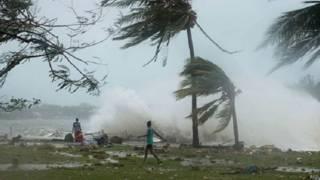 प्रशांत महासागर के वनूआतू में तूफ़ान का क़हर