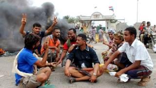 قسم من القوات اليمنية يدعم الحوثيين والقسم الآخر يدعم الريس هادي