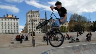 A BMX stunt