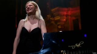 Валентина Лисица во время выступления в Royal Albert Hall в Лондоне
