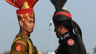 भारत, पाकिस्तान, वाघा सीमा पर सैनिक
