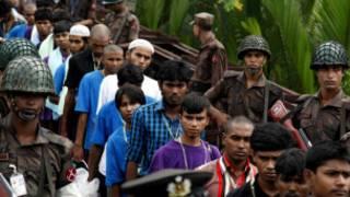 _myanmar_transfer_150_migrants_boat_people