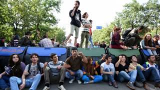 На баррикаде в Ереване