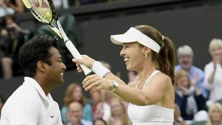martina_hingis_r_of_switzerland_and_leander