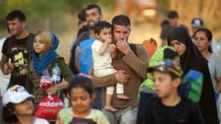 यूरोपीय संघ के देश पंहुच रहे प्रवासी