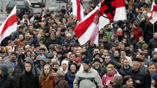 Участники протестного шествия в Минске