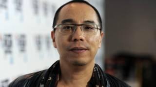 """Đạo diễn Apichatpong Weerasethakul tại London trong buổi chiếu ra mắt bộ phim """"Cemetery of Splendour"""" tại Liên hoan phim London BFI"""