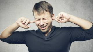 A los misófonos les irritan enormemente sonidos de la vida cotidiana