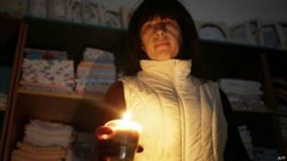 Женщина со свечой в Крыму