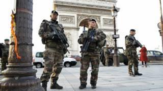 पेरिस हमला
