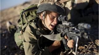 Женщина - солдат