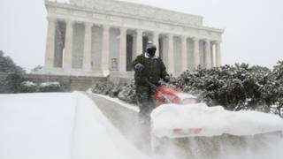Снежная буря в США