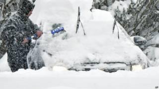 अमरीका में बर्फीला तूफ़ान