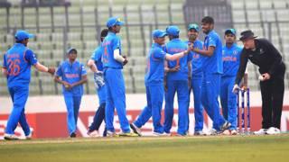 नेपाल पर जीत का जश्न मनाते भारतीय खिलाड़ी.