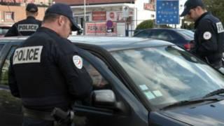 полицейские на границе Бельгии