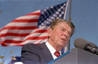 Рональд Рейган на открытии его президентской библиотеки в Сими-Вэлли, Калифорния. 4 ноября 1991 года