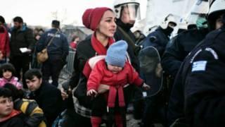 Мигранты на границе с Македонией
