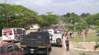 Corte de la carretera que une el sur del estado Bolívar con Brasil.